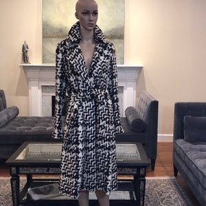 NWT Ellen Tracy fine wool woven coat-size S